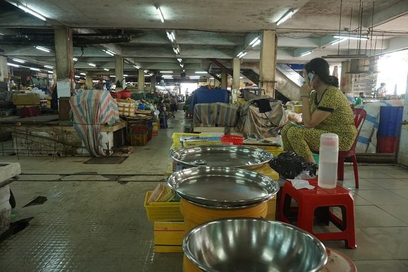 Chợ An Đông ngày đầu bán trở lại: Khách vắng nhưng vẫn vui - ảnh 4