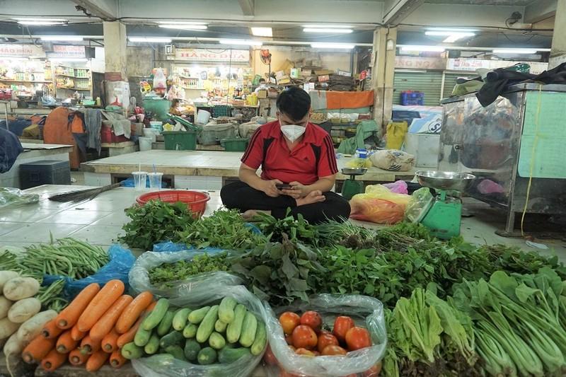 Chợ An Đông ngày đầu bán trở lại: Khách vắng nhưng vẫn vui - ảnh 5