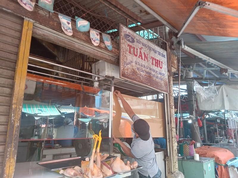 Thêm nhiều chợ ở TP.HCM mở cửa: Người bán, người mua đều vui - ảnh 9