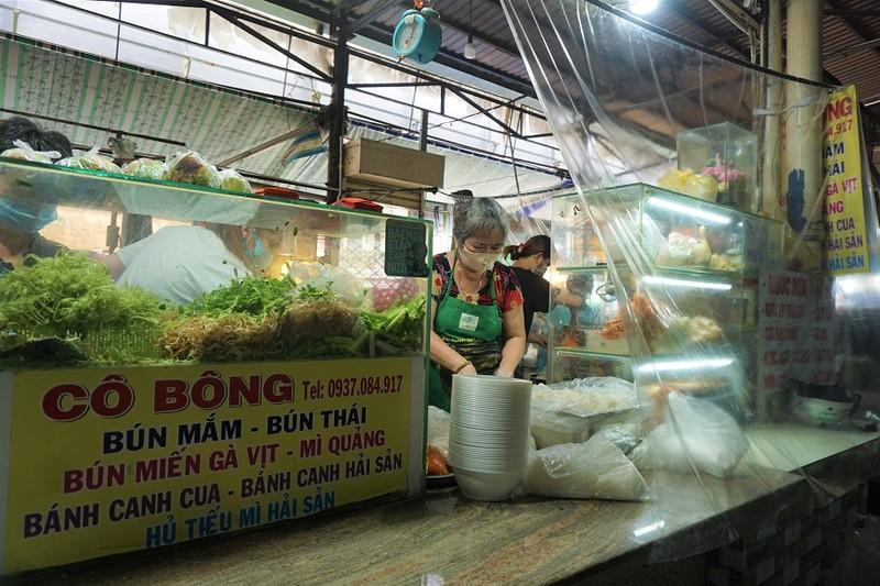 Thêm nhiều chợ ở TP.HCM mở cửa: Người bán, người mua đều vui - ảnh 8