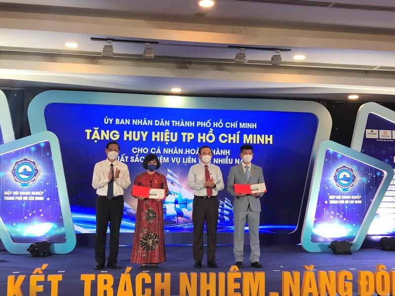 TP.HCM tuyên dương 91 doanh nhân doanh nghiệp tiêu biểu - ảnh 1