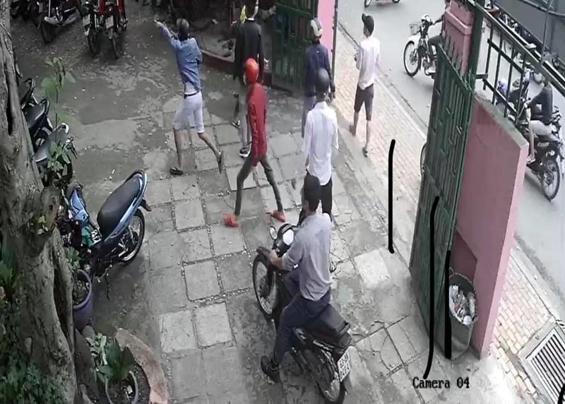 Hơn 20 người đánh 3 người trong quán ở Thủ Đức - ảnh 2