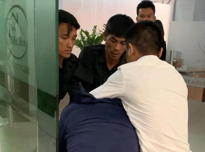 Khởi tố nhân viên Alibaba về tội cố ý gây thương tích - ảnh 1