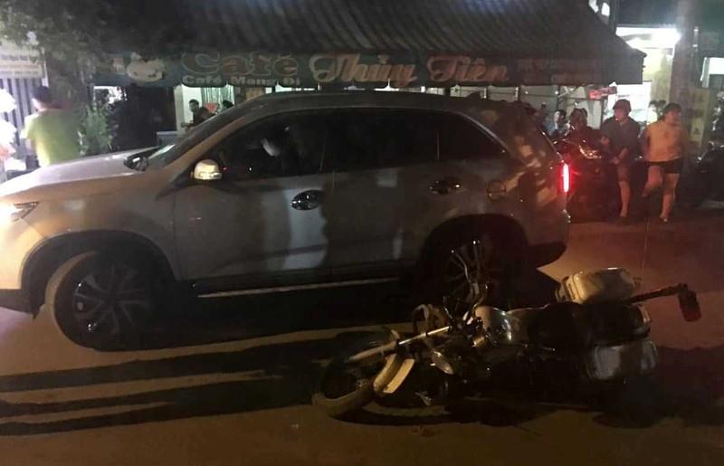 Tài xế ô tô có nồng độ cồn tông ngã xe CSGT - ảnh 2