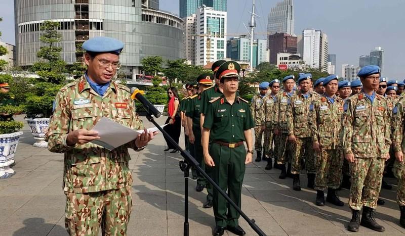Đoàn giữ gìn hòa bình Liên Hiệp Quốc báo công lên Bác Hồ  - ảnh 4