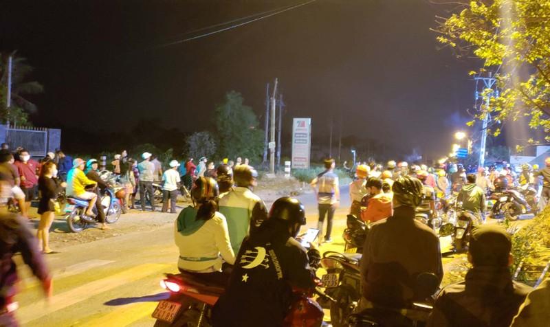 Nửa đêm mà nhiều người còn tới live stream vụ Tuấn 'khỉ'  - ảnh 1