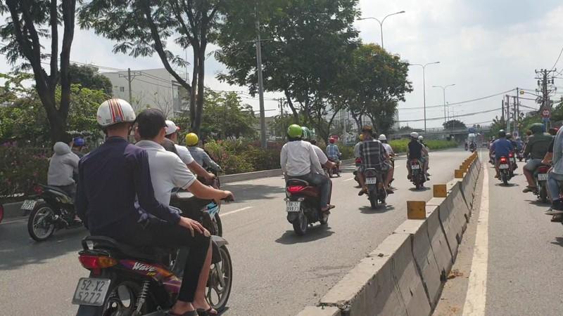 Xử lý các 'quái xế' chặn quốc lộ để đua xe ở Thủ Đức  - ảnh 2