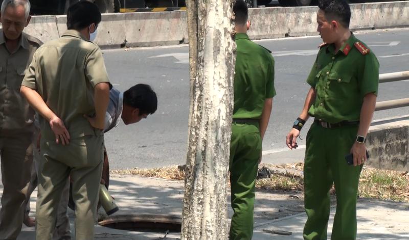 2 công nhân ngất xỉu khi nạo vét cống ở quận 9 - ảnh 1