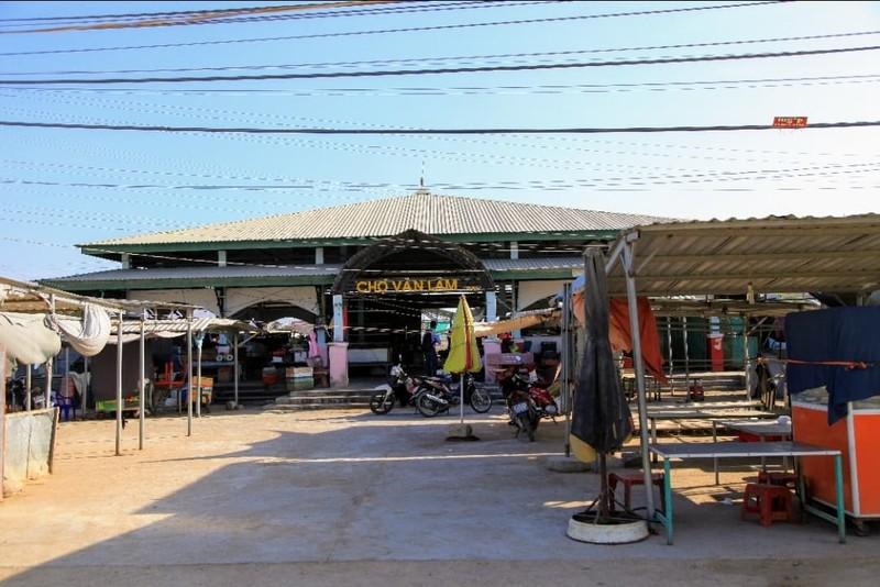 Ninh Thuận cách ly thôn Văn Lâm 3, nơi bệnh nhân 61 ở, 28 ngày - ảnh 1