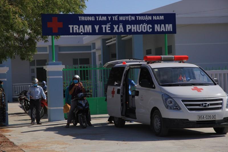 Hình ảnh ngày đầu tiên cách ly 5.000 dân thôn Văn Lâm 3  - ảnh 4