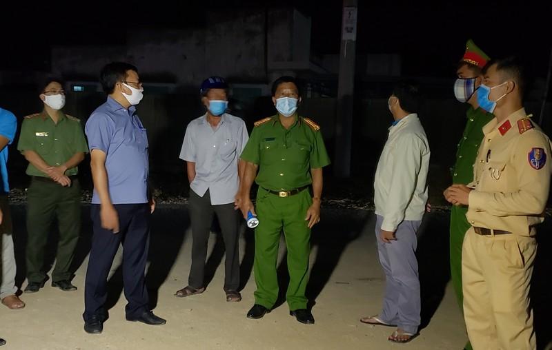 Những chiến sĩ bốn ngày đêm tại vùng dịch chưa về nhà - ảnh 1