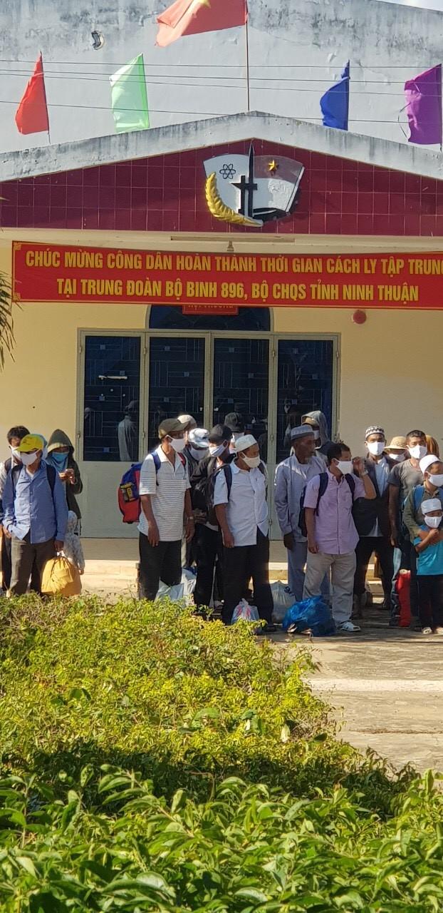 Ninh Thuận: 40 người kết thúc thời gian cách ly COVID-19 - ảnh 2
