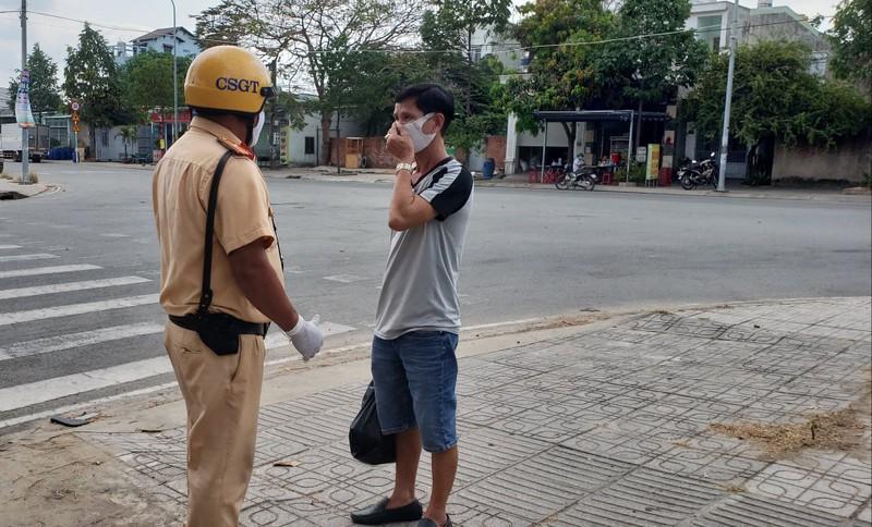 An ninh nghiêm ngặt tại khu cách ly KTX Đại học Quốc gia - ảnh 5