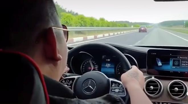 Cục CSGT truy tìm xe Mercedes chạy 234 km/giờ trên cao tốc - ảnh 1