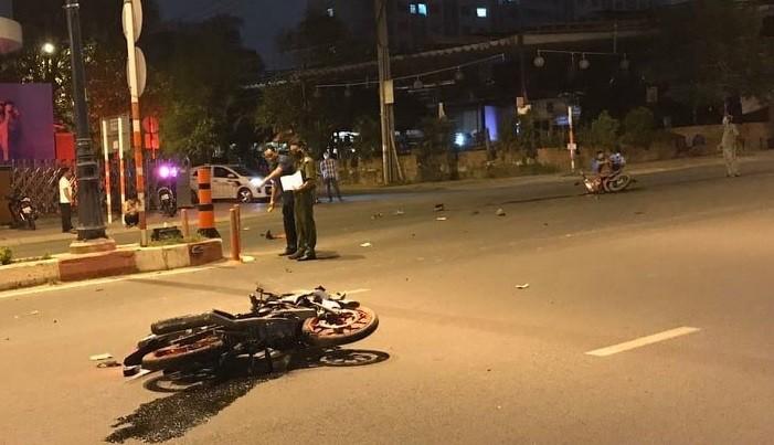 2 xe máy va chạm, 5 người thương vong ở quận 9 - ảnh 1