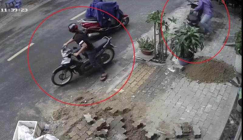 Xuất hiện nhóm trộm bẻ khóa xe máy chỉ trong 6 giây tại quận 7 - ảnh 1