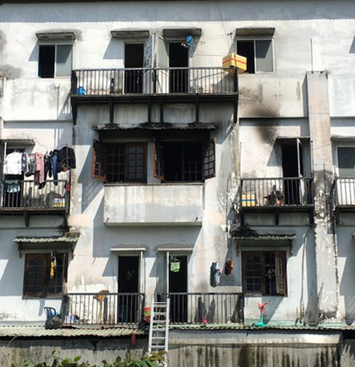 Giải cứu 6 sinh viên mắc kẹt trong đám cháy tại quận 9 - ảnh 1
