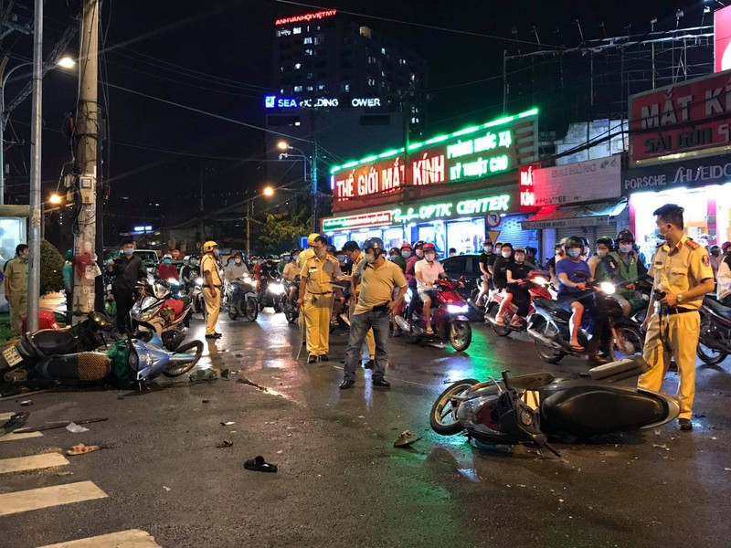 Lời khai của nữ tài xế tông hàng loạt xe máy tại Bình Thạnh - ảnh 1
