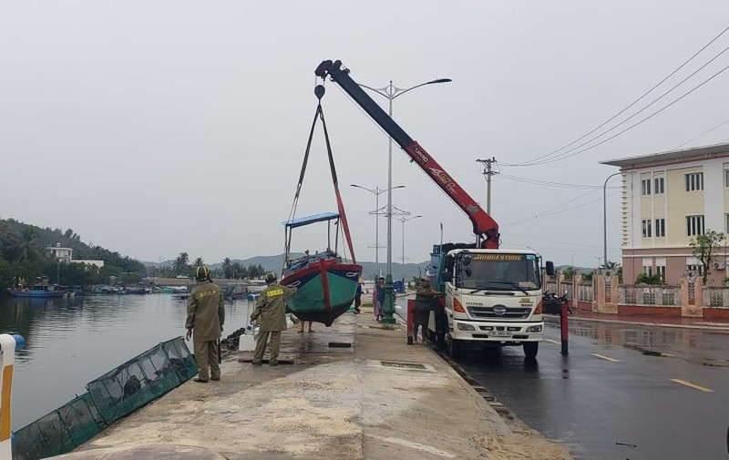 Phú Yên: TX Sông Cầu di dời hơn 37.000 dân tránh bão số 9 - ảnh 4