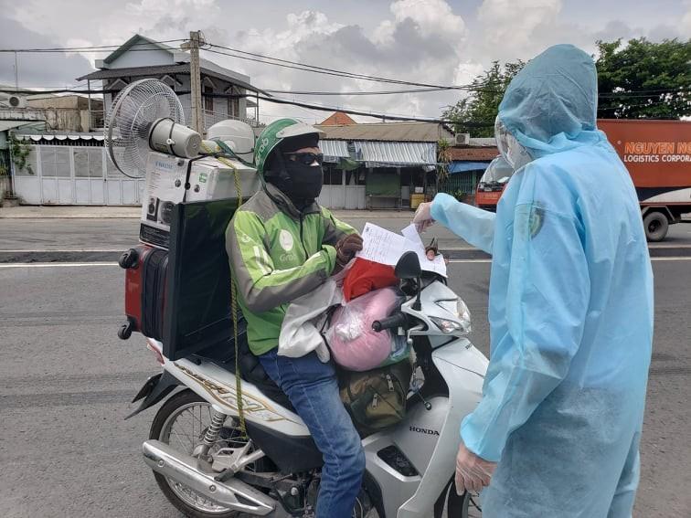 Hàng trăm người rời TP.HCM về các tỉnh Tây Nguyên phải quay đầu xe - ảnh 6