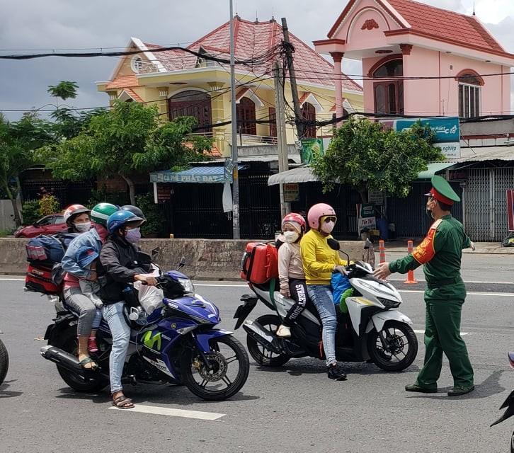 Hàng trăm người rời TP.HCM về các tỉnh Tây Nguyên phải quay đầu xe - ảnh 8