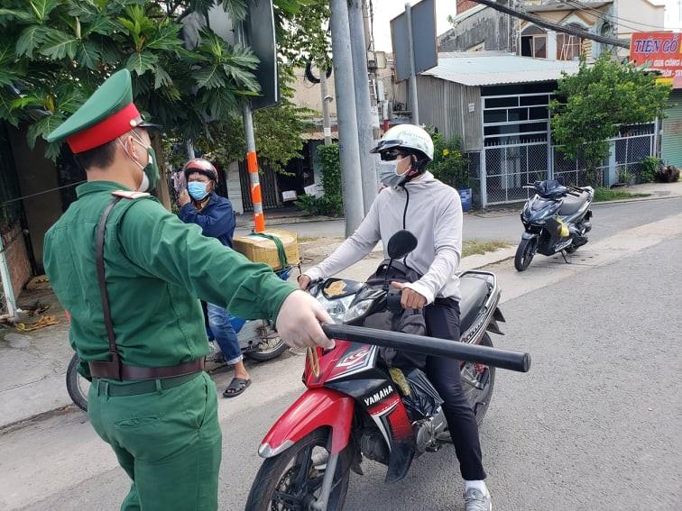 Hàng trăm người rời TP.HCM về các tỉnh Tây Nguyên phải quay đầu xe - ảnh 7