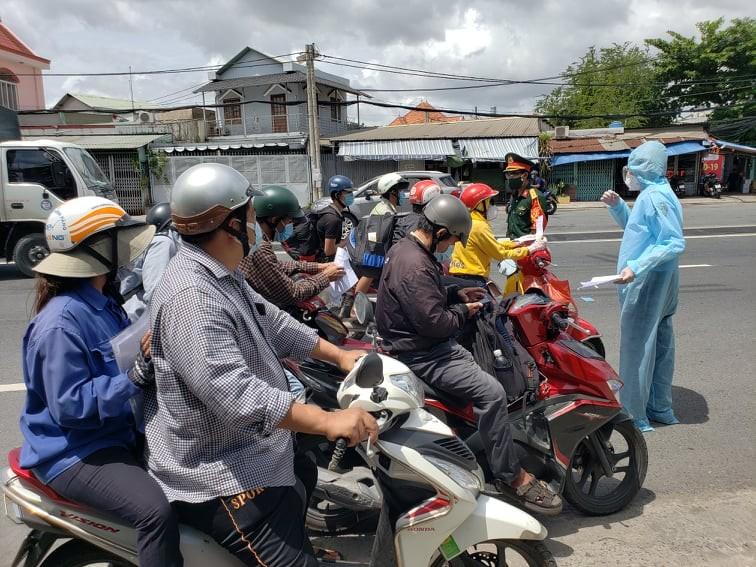 Hàng trăm người rời TP.HCM về các tỉnh Tây Nguyên phải quay đầu xe - ảnh 9
