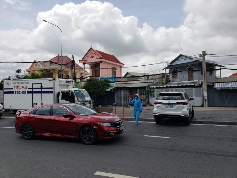 Hàng trăm người rời TP.HCM về các tỉnh Tây Nguyên phải quay đầu xe - ảnh 4