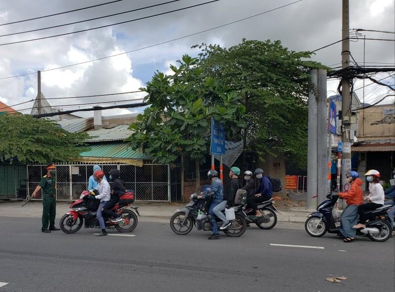 Hàng trăm người rời TP.HCM về các tỉnh Tây Nguyên phải quay đầu xe - ảnh 1