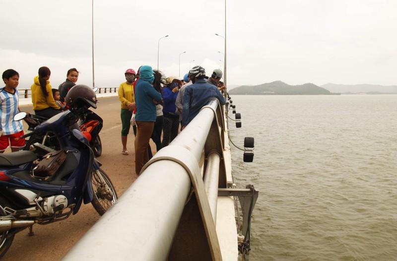 Từ Sài Gòn về Bình Định thăm người yêu rồi... nhảy cầu tự tử  - ảnh 2