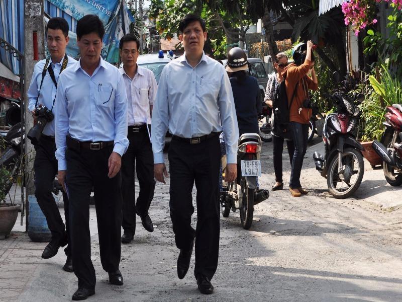 Đoàn công tác Bộ Y tế thị sát khu vực có bệnh nhân nhiễm virus Zika ở TP Nha Trang (Khánh Hòa) đầu tháng 4-2016