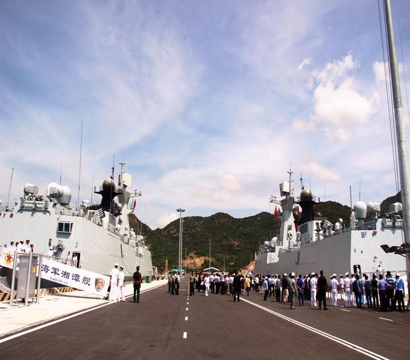 àu hải quân Trung Quốc cập cảng quốc tế Cam Ranh