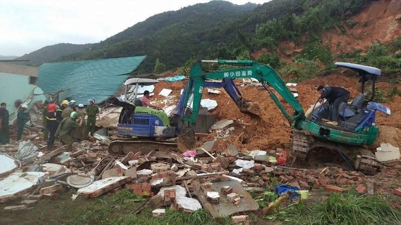 Sạt lở núi kinh hoàng ở Nha Trang, 10 người thương vong - ảnh 6