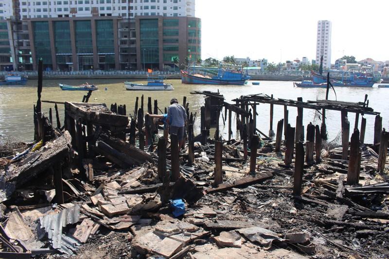Có đến 70 căn nhà ở Nha Trang bị thiêu rụi - ảnh 11