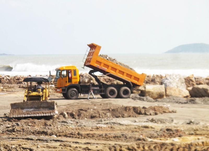 Chủ tịch Khánh Hòa ủng hộ đề xuất lấn vịnh Nha Trang - ảnh 2