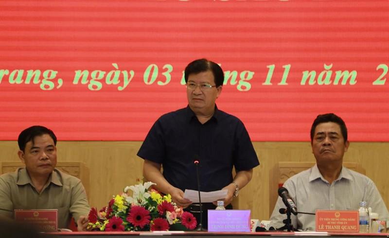 Phó Thủ tướng đến Nha Trang chỉ đạo ứng phó bão số 12 - ảnh 2