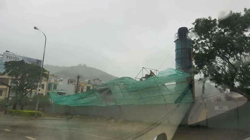 Cứu được 70 người chìm tàu ở cảng Quy Nhơn - ảnh 2