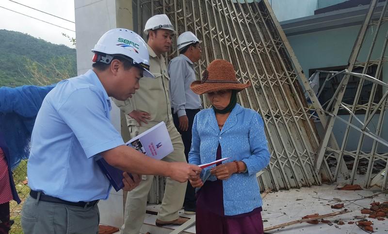 Trợ giúp khẩn cấp người dân vùng tâm bão - ảnh 1
