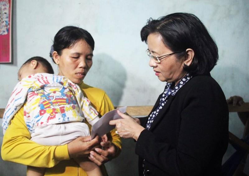 TP.HCM hỗ trợ đồng bào bị lũ lụt miền Trung 6 tỉ đồng - ảnh 2