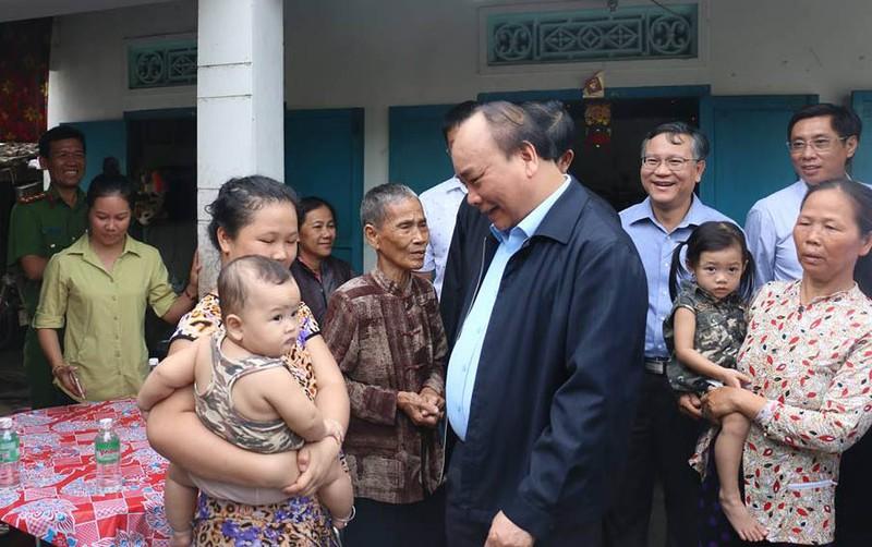 Thủ tướng: Phải sớm ổn định đời sống người dân vùng bão - ảnh 1
