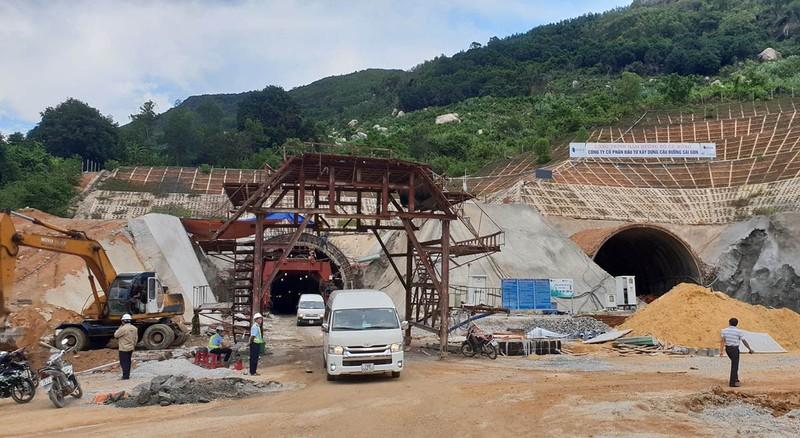Hầm Cù Mông sẽ hoạt động từ tháng 1-2019 - ảnh 1