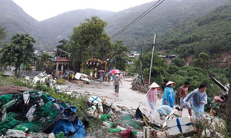 17 người chết và mất tích, Nha Trang tiếp tục sơ tán dân  - ảnh 3