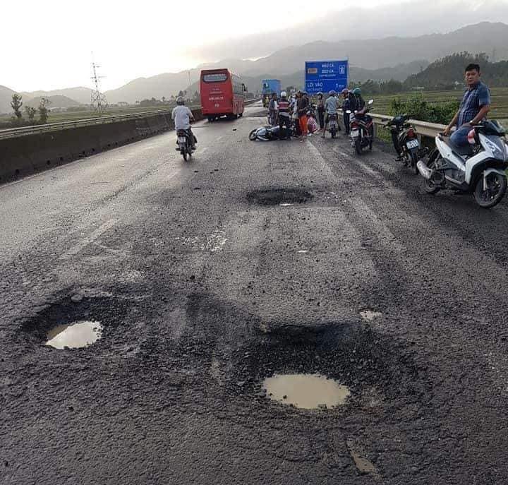 'Cấm cửa' 6 nhà thầu vì quốc lộ 1 qua Phú Yên hư hỏng  - ảnh 3