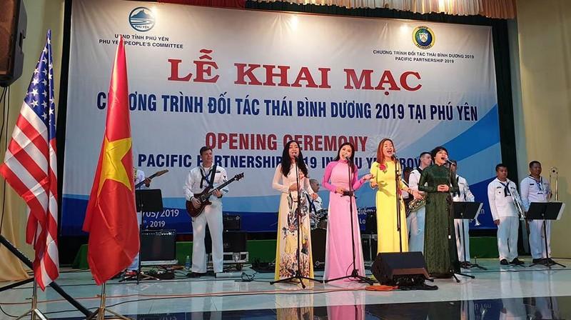 Nhiều nước hỗ trợ Việt Nam ứng phó thảm họa thiên nhiên - ảnh 4