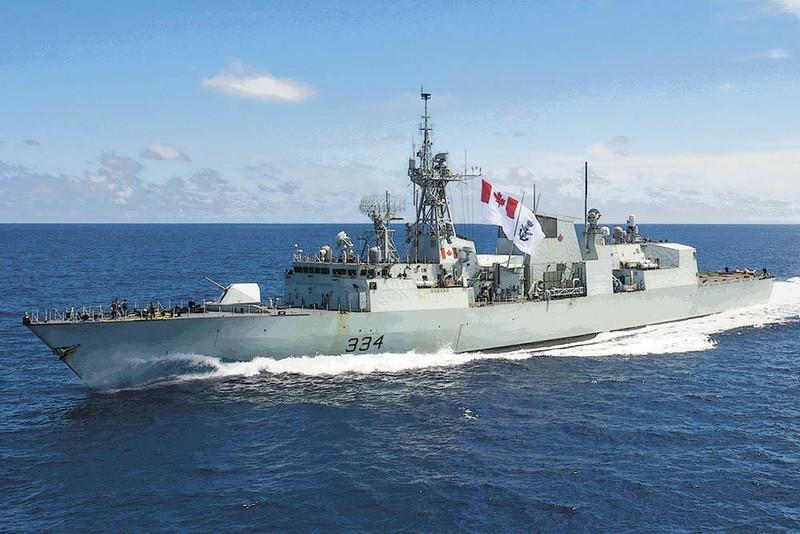 Tàu khu trục Canada thăm cảng Cam Ranh - ảnh 4