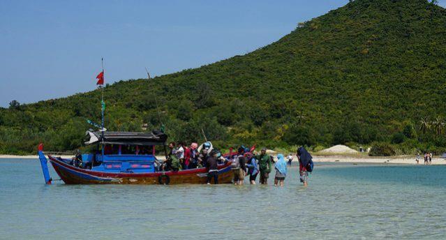 3 người chết trong vụ lật thuyền chở khách ra đảo Điệp Sơn - ảnh 2