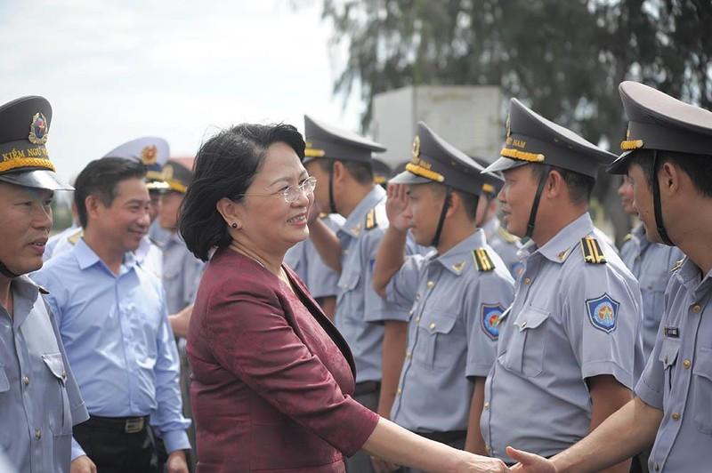 Phó Chủ tịch nước thăm cán bộ, chiến sĩ Vùng 4 Hải quân  - ảnh 4