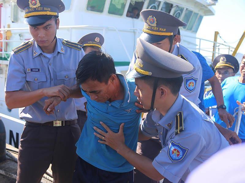41 ngư dân trôi dạt trên biển gần 40 tiếng đồng hồ  - ảnh 2