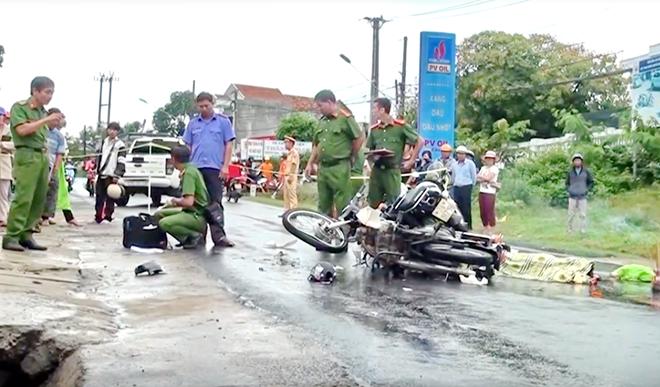 2 xe máy tông nhau, 3 người thương vong - ảnh 1