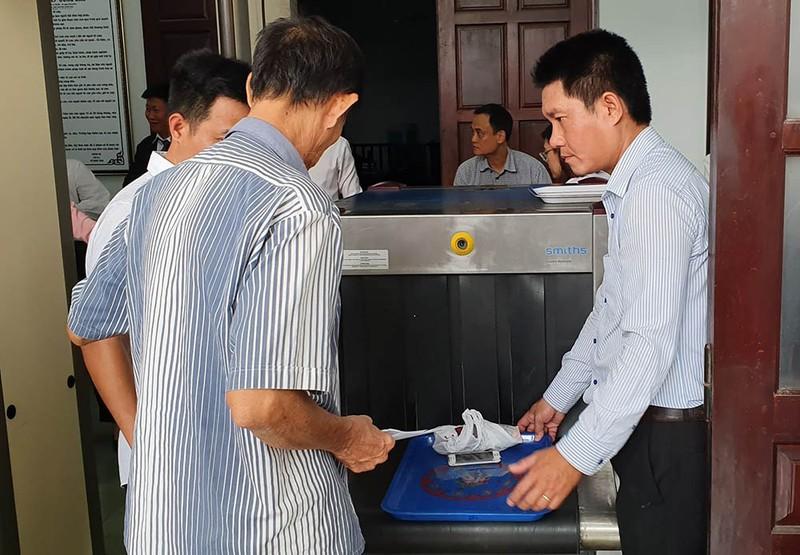 Nhiều báo không được tác nghiệp tại phiên xử LS Trần Vũ Hải - ảnh 4